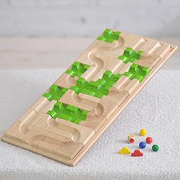 3歳の木のおもちゃランキング3位の遊び方いろいろ!平面・立体迷路の木のおもちゃ「マザベル」
