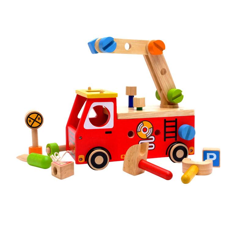 2歳のお誕生日にピッタリな消防車の大工さんセット