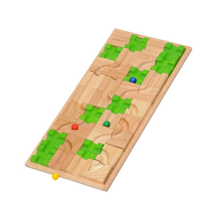 平面迷路・立体迷路・スゴロクも遊べる知育玩具マザベル