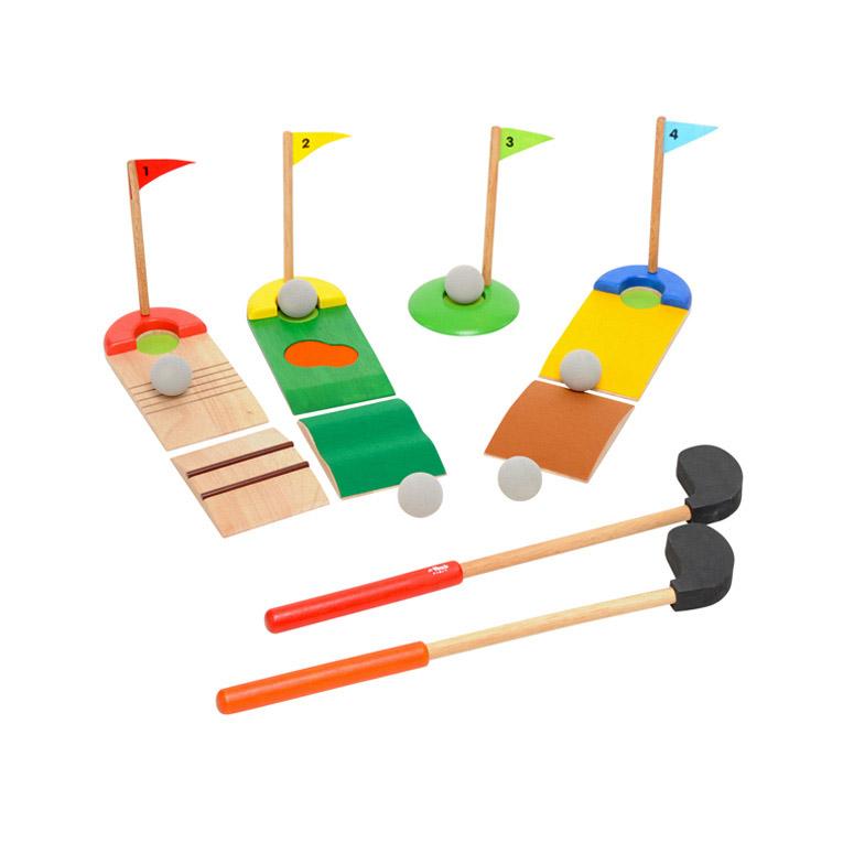 柔らかい素材を使っているゴルフセット。