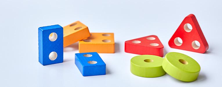2歳のパズル遊び